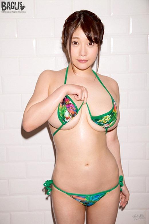 益坂美亜 画像 23