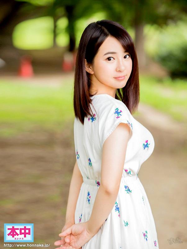 松田真奈 ほんわか童顔のヤリマン人妻画像