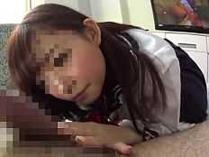 «無»チ●コを見てる表情までもが超キュート過ぎる18歳パイパン美少女とハメ撮り中出し!