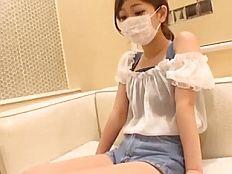 【無】ぱるる似の微乳ちっぱい娘にサプライズ中出し!
