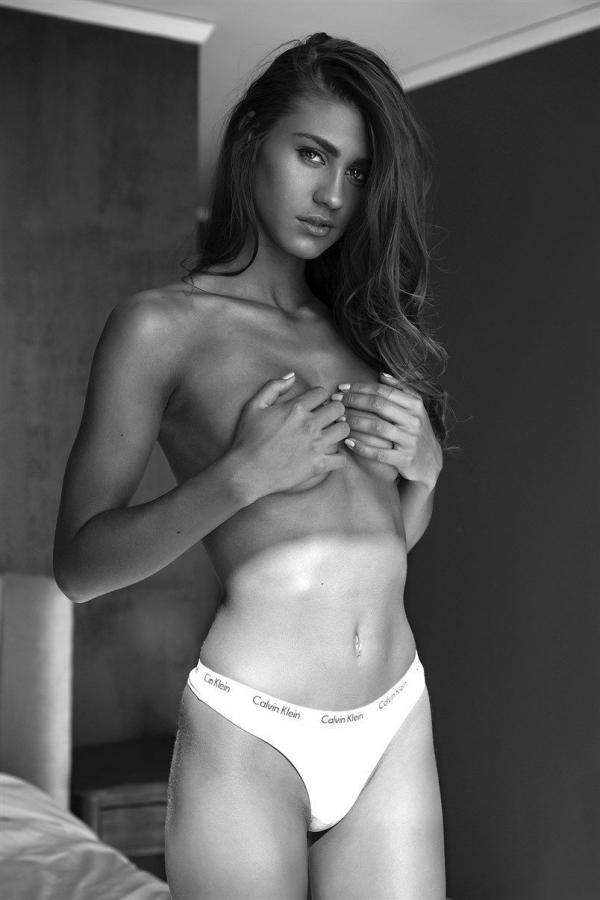Sheridan-Rhode-Nude-Sexy (16)