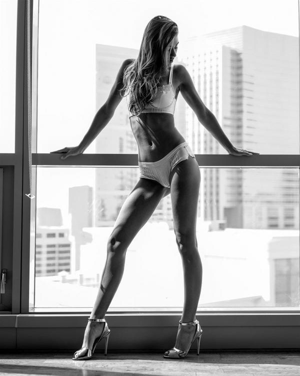 Sheridan-Rhode-Nude-Sexy (17)