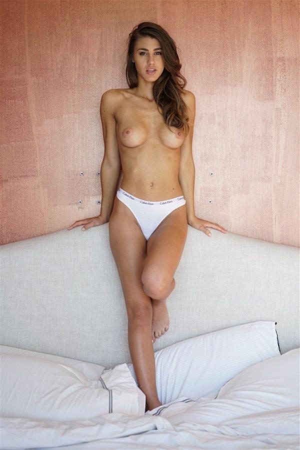 Sheridan-Rhode-Nude-Sexy (20)