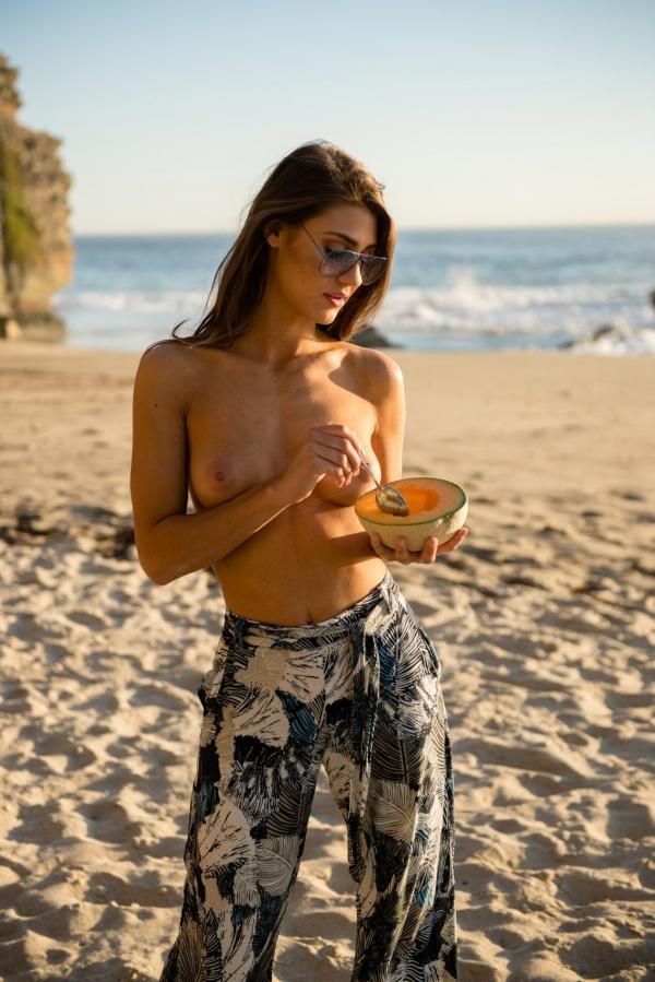 Sheridan-Rhode-Nude-Sexy (7)