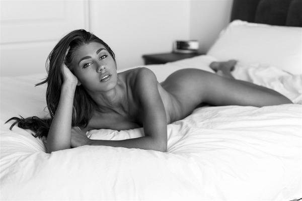 Sheridan-Rhode-Nude-Sexy (14)