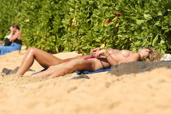Toni-Garrn-hawaii (7)