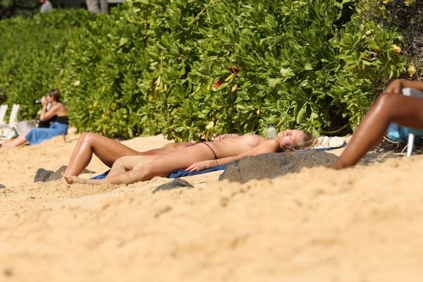 Toni-Garrn-hawaii (14)