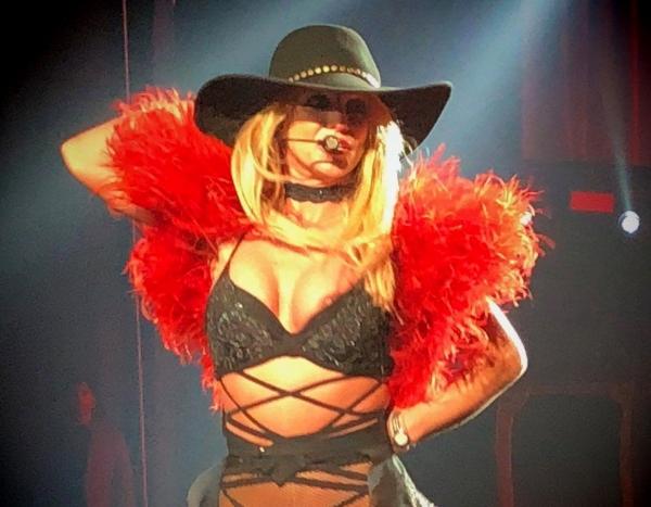 Britney-Spears-Nip-Slip-2.jpg