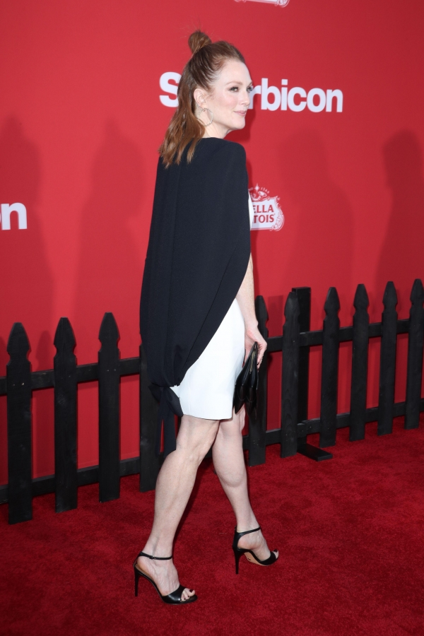 Julianne-Moore-Feet-3045573.jpg