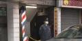 歌舞伎町のビル4階のドアに弾痕