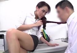 超ミニスカGAL痴女OLの淫語責め焦らし手コキ&男潮吹き!藤本紫媛1