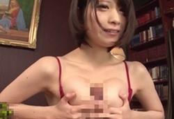 鷹宮ゆい スタイル抜群ショートヘア美痴女がセクシーな下着姿でシックスナイン、乳首舐め手コキ、素股、パイズリ責め!