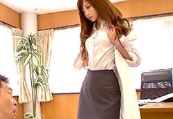 榊梨々亜 この女医最高だろ。医長を誘惑するセクシー美女