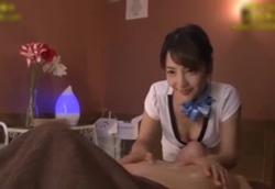 【痴女】Sっ気エステティシャンの執拗な乳首責めに我慢できず暴発射精!美作彩凪1