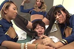 【上原花恋×HIKARI×浜崎真緒】黒ギャルビッチ航空へようこそ!【PornHub/ThisAV】