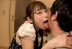 【佐々木あき】舐められたくて舐めたい粘着メガネ腐女子