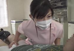 痴女歯科衛生士・検診中にシ○タチ○ポ弄り乳首舐め手コキ!美保結衣1