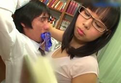 【痴女】図書館逆ちかん!爆乳メガネお姉さんに襲われる童貞気弱男子!!